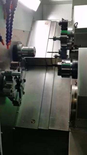 车铣复合数控车床(动力刀塔)